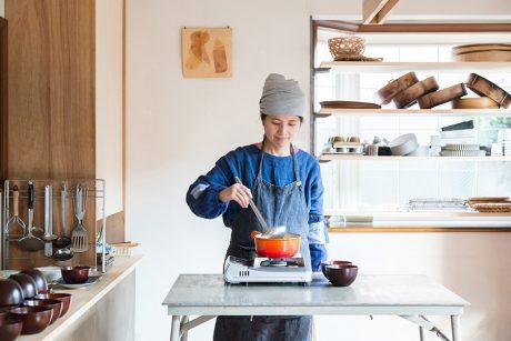 かぞくの台所』奥津典子 vol.2 切り方 実践編・お味噌汁 【くらすこと】